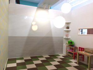 子供部屋の壁をホワイトボードに