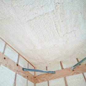 天井の断熱材発泡ウレタン